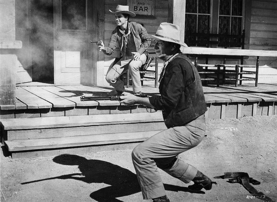 Rio Bravo shootout scene photo still